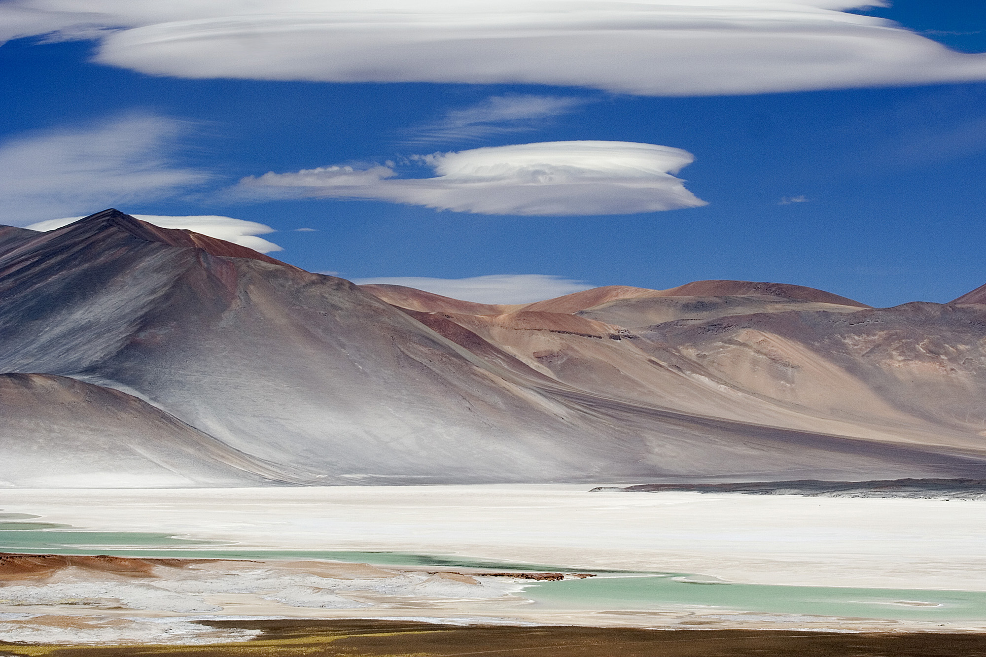 Miscanti_Lagoon_San_Pedro_de_Atacama_Chile_Luca_Galuzzi_2006